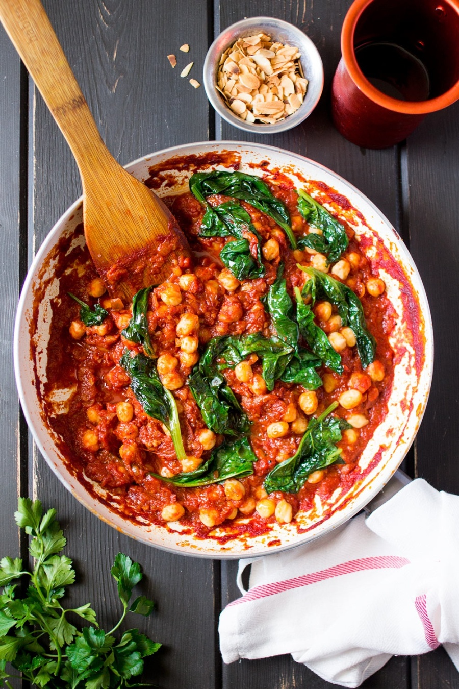 spanish-chickpea-and-spinach-stew-in-a-pan-1000x1500