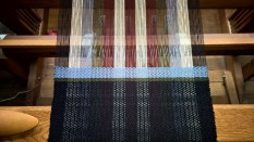 weft will be the colors of the warp, but in random sequence.